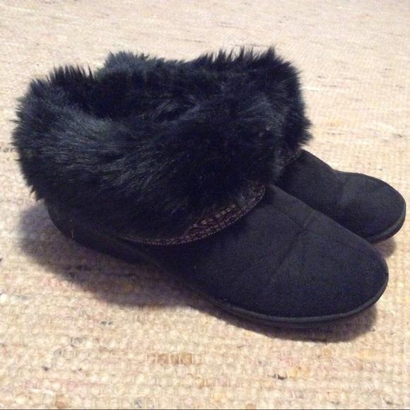 37c21eb67 isotoner Shoes - WOMENS Isotoner slipper clogs size 7.5-8 Black